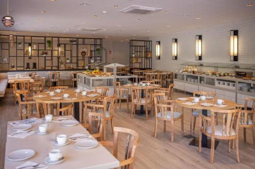 Un restaurante o sitio para comer en RVHotels Balneari Broquetas