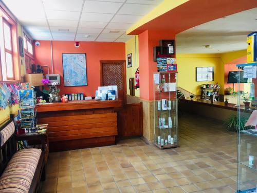 The lobby or reception area at La Casita di Fuerte