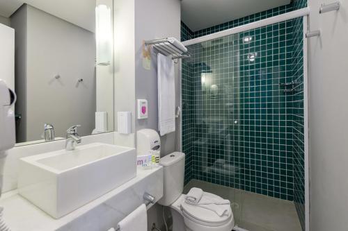 A bathroom at Mercure Sao Paulo JK