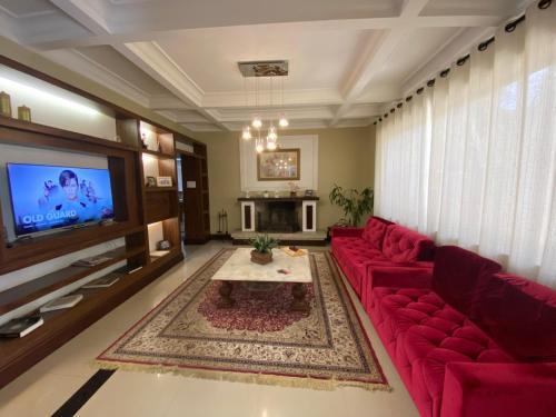 A seating area at Princesa Isabel Pousada e Hotel – Dom Pedro