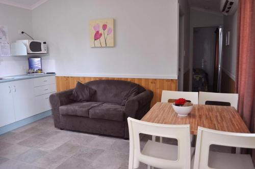 A seating area at Ingenia Holidays Townsville