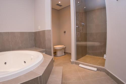 A bathroom at ibis Styles Sorocaba Santa Rosalia (Ex Chamonix)