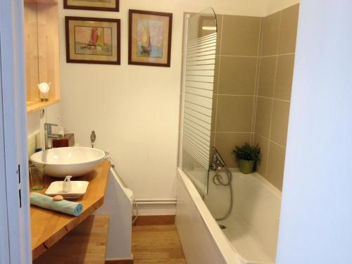 A bathroom at La Petite Maison
