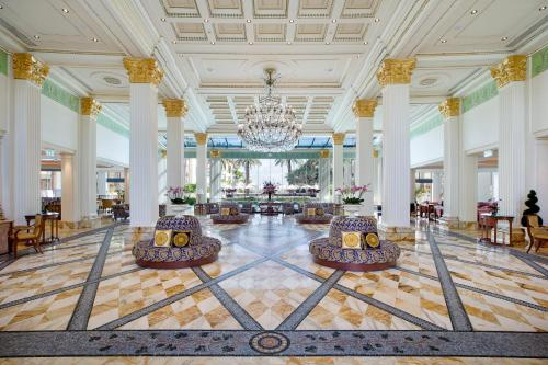 A restaurant or other place to eat at Palazzo Versace