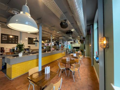 A restaurant or other place to eat at YHA Liverpool Central