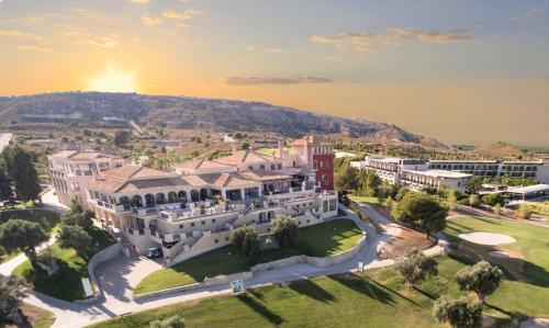 Vue panoramique sur l'établissement La Finca Resort