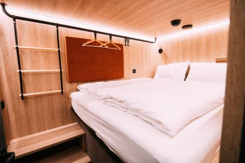 A bed or beds in a room at CAB20