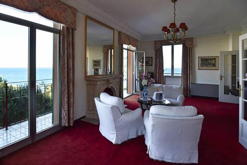 Area soggiorno di Grand Hotel De Londres