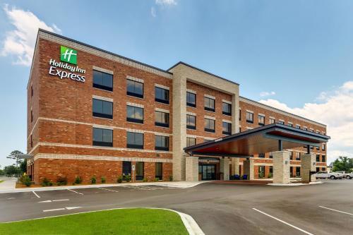 Holiday Inn Express - Wilmington - Porters Neck, an IHG Hotel