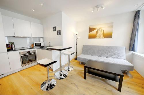 Küche/Küchenzeile in der Unterkunft HITrental City Apartments