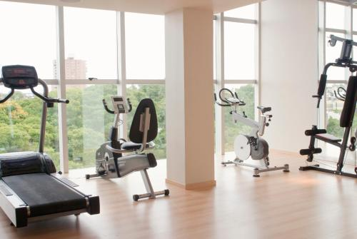 The fitness center and/or fitness facilities at Niyat Urban Hotel