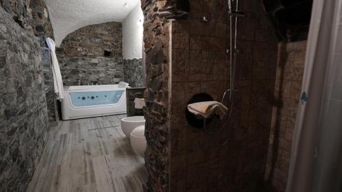 A bathroom at Stella Maris Resort