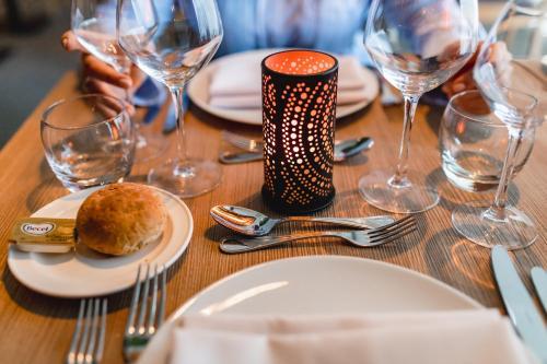 Een restaurant of ander eetgelegenheid bij Holiday Inn Express Gent