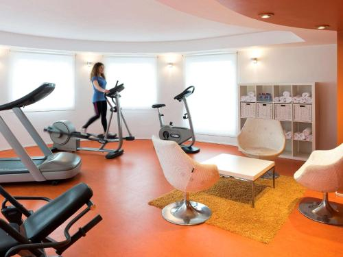 The fitness center and/or fitness facilities at ibis Luxembourg Aeroport