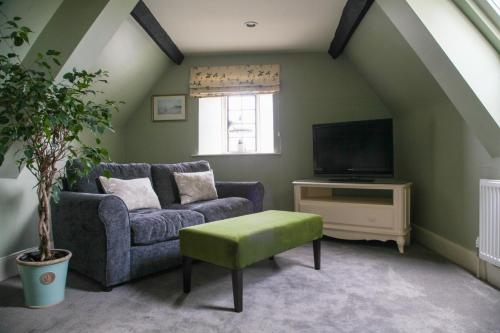 A seating area at Mortons Manor