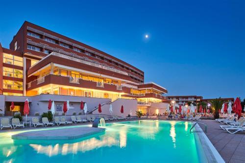 The swimming pool at or near Hotel Albatros Plava Laguna