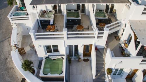 Vue panoramique sur l'établissement Villa Elina suites and more
