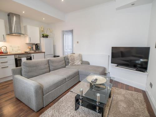 A seating area at Carmel Apartments