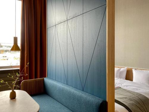 A seating area at Mornington Hotel Bromma