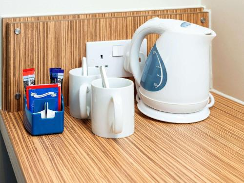 Coffee and tea-making facilities at ibis budget London Bromley Town Centre