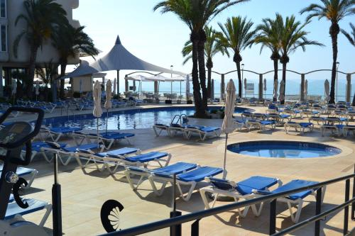 The swimming pool at or close to Caprici Beach Hotel & Spa