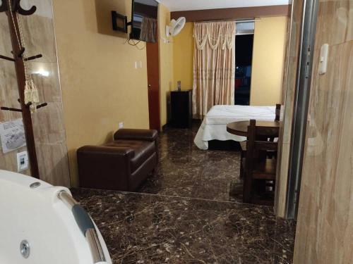 A bathroom at HOSTAL EL REY