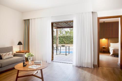 Гостиная зона в Minoa Palace Resort & Spa