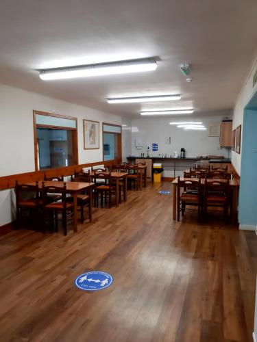 A restaurant or other place to eat at Broadford Youth Hostel