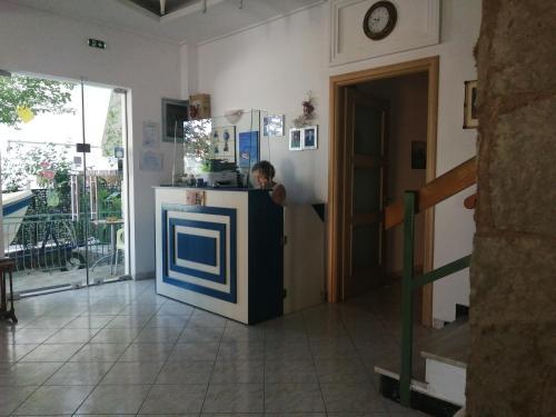 Лобби или стойка регистрации в Hotel Fotini