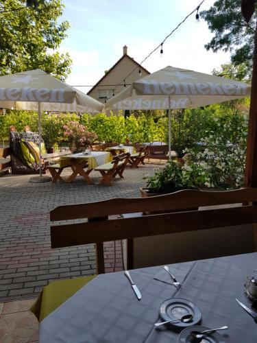 Restaurace v ubytování Sommer Panzió
