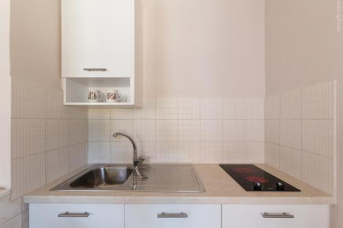 A kitchen or kitchenette at Paradise Village