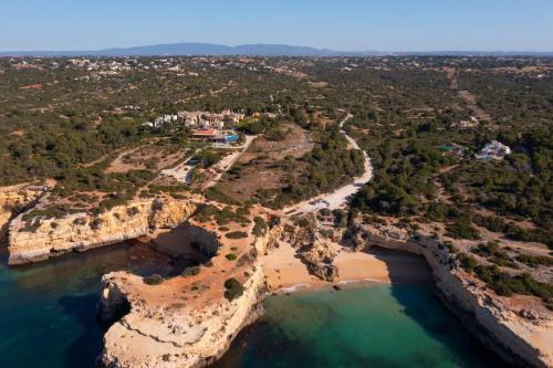 A bird's-eye view of Vila Alba Resort
