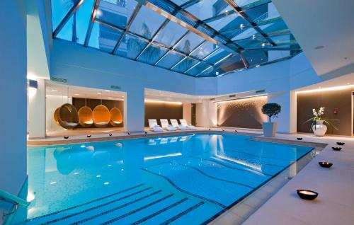 The swimming pool at or close to Porto Platanias Beach Resort & Spa