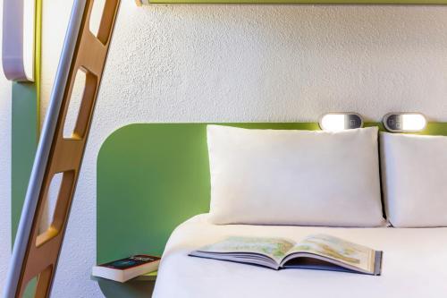 Un ou plusieurs lits dans un hébergement de l'établissement ibis budget Nanterre La Defense