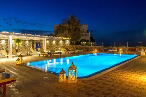 The swimming pool at or close to Sigal Villa