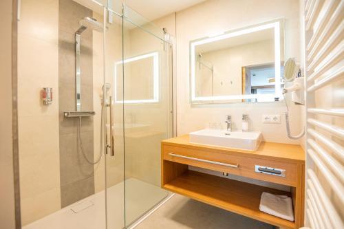 A bathroom at Apartment Bergsee