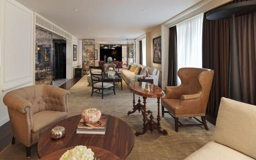 A seating area at Rosewood London