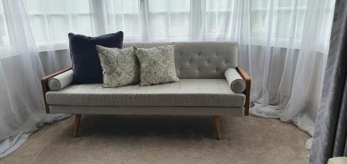 A seating area at Rigsbys Guesthouse Doncaster
