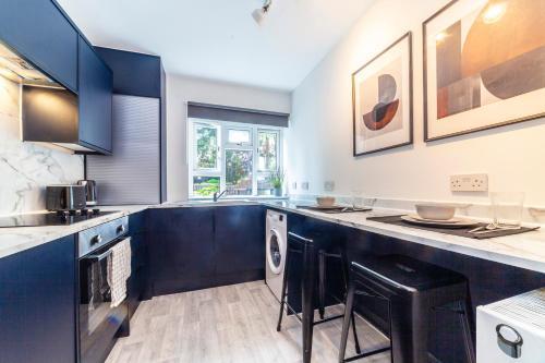 A kitchen or kitchenette at Realm choice estates