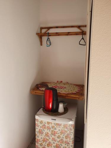 A cozinha ou cozinha compacta de Pousada Veromar