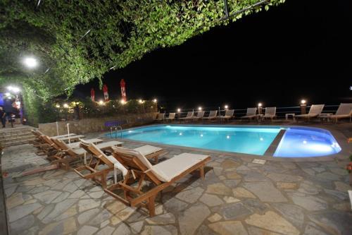 The swimming pool at or close to Itaka Hotel