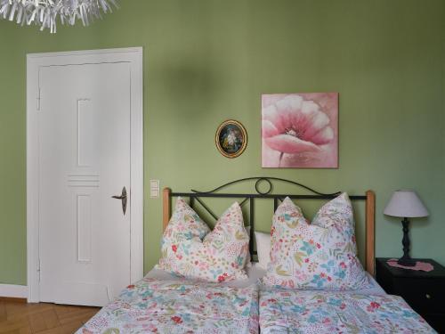 Ein Bett oder Betten in einem Zimmer der Unterkunft Haus Bley