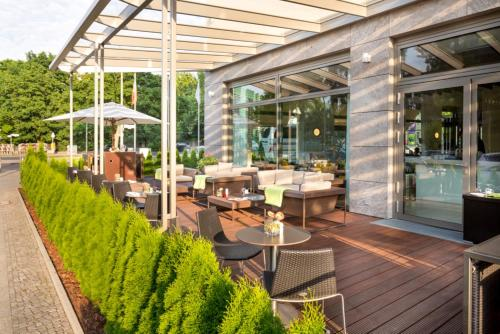 A restaurant or other place to eat at Pestana Berlin Tiergarten