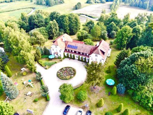 Widok z lotu ptaka na obiekt Pałac Wojciechy
