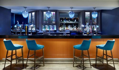 The lounge or bar area at Leonardo Edinburgh Murrayfield