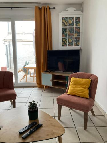 A seating area at Gîte la bassurelle