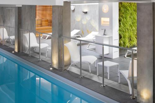 The swimming pool at or near Terre de Provence Hôtel & Spa