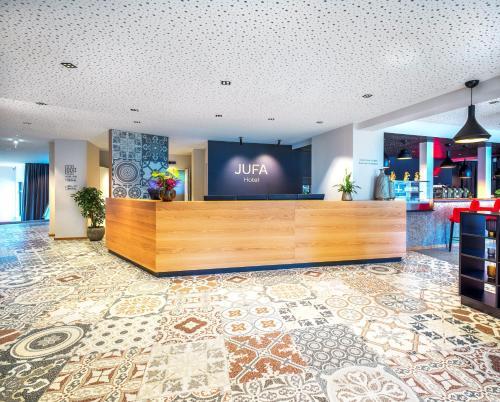 El vestíbulo o zona de recepción de JUFA Hotel Salzburg