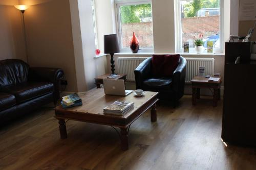 A seating area at Marlborough Guest House