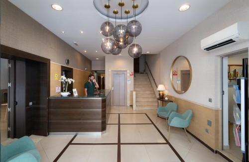 Lobbyn eller receptionsområdet på Hotel Sur Málaga